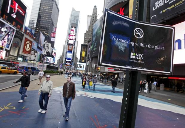 new york s ban on smoking in This act protects the health of new york city workers against the harmful effects of secondhand smoke by banning smoking and the use of e-cigarettes in virtually all workplaces close to hospital entrances and in city parks, beaches and pedestrian plazas.