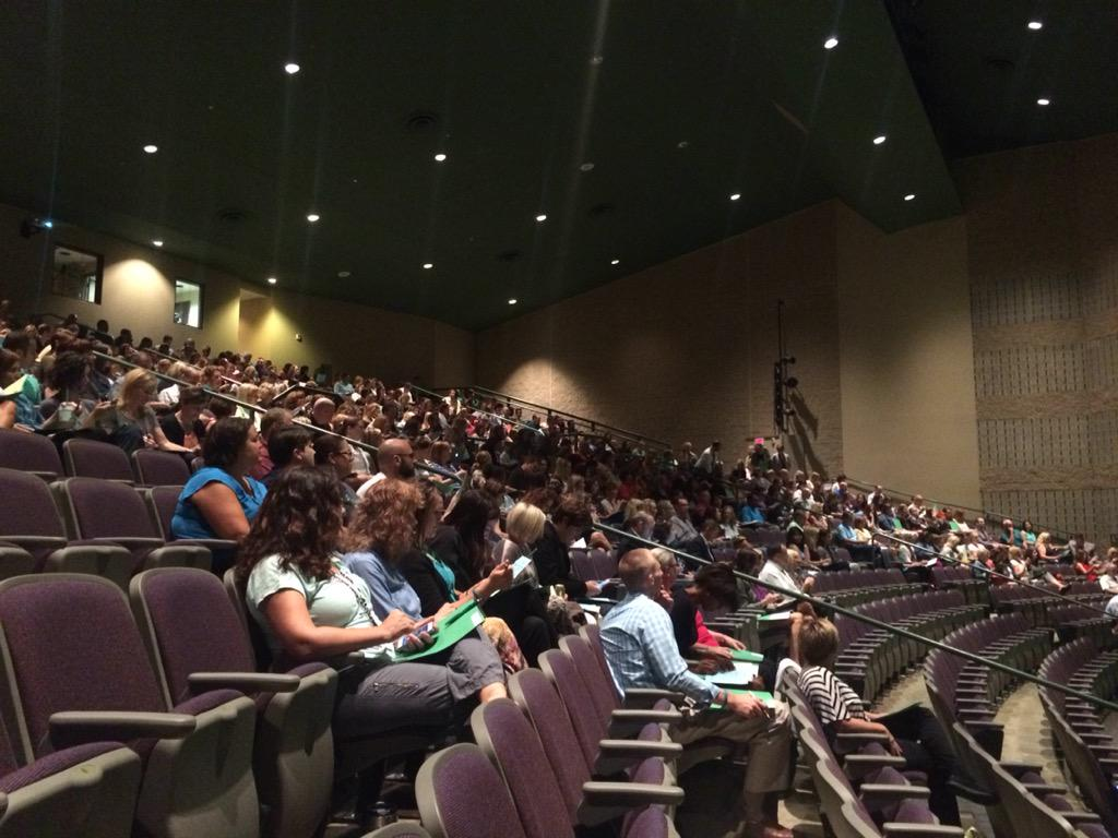 Great group of Dublin teachers at #Leadership15 #thedublindifference http://t.co/Ge9xghEpHY