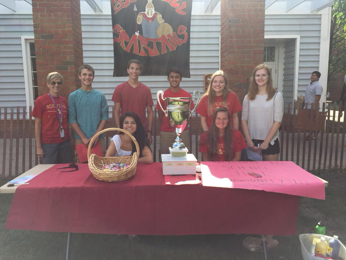 The House Cup defending champs show off their hardware as they welcome the Class of 2019! #NAHSCommUNITY #naedchat http://t.co/sbiI336wFM