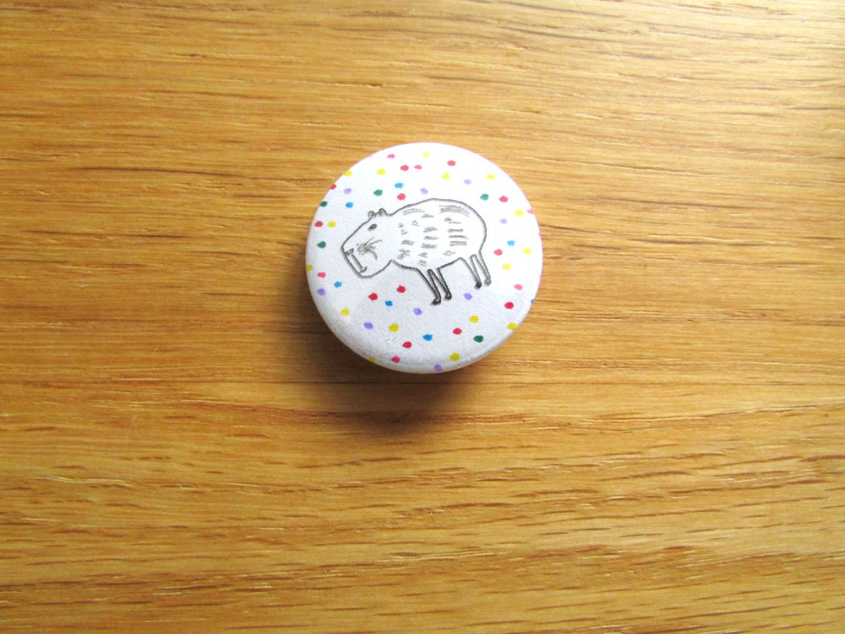 i've just started a small promotion - every order in august get a handmade capybara badge #folksyhour http://t.co/qk6jQzbQcM