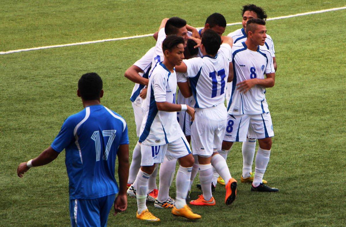 Eliminatorias UNCAF 2015 - Olimpicos Brasil 2016: El Salvador 1 Nicaragua 1. CMLLehYVEAUdsOL