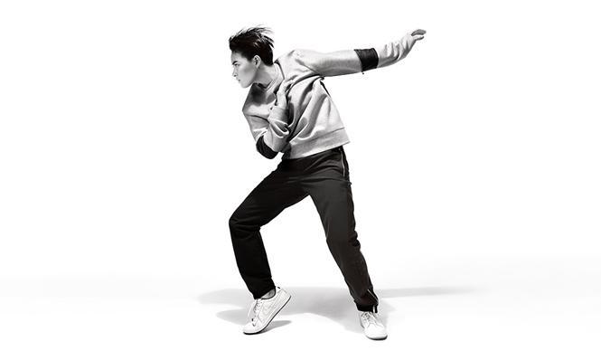 日本上陸25周年、アニバーサリー企画を続報。バーニーズ ニューヨークが、今注目のダンサー・コレオグラファー、菅原小春を起用したスペシャルムービーを発表。http://t.co/x6Xp9hzFIs http://t.co/qCwORsbkUw