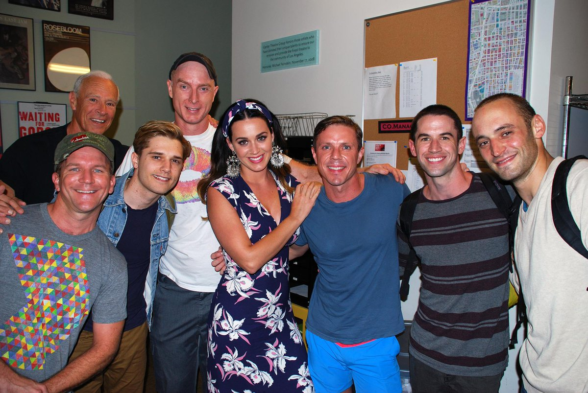 Thanks, @katyperry, for showing your appreciation for the performances of the #BentCTG cast last night! http://t.co/ZMcTDPw5E4