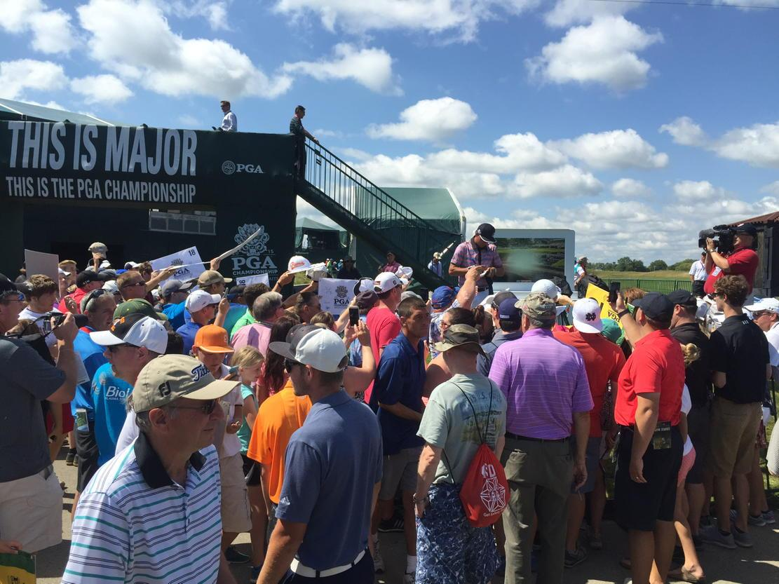 @rickiefowler signing tons of autographs after his driving range session. #thisismajor @PGAChampionship http://t.co/xvndyJNXLA