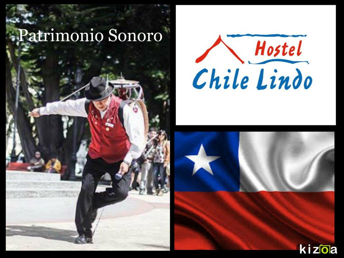 El chinchinero es un personaje único en el mundo al igual que su instrumento, Chile Lindo Hostel, Te espera! http://t.co/5QASrwp6Ju
