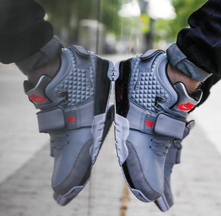 first looks at @teamvic new shoe, what are your thoughts? #DXC http://t.co/zLYU9etUBh