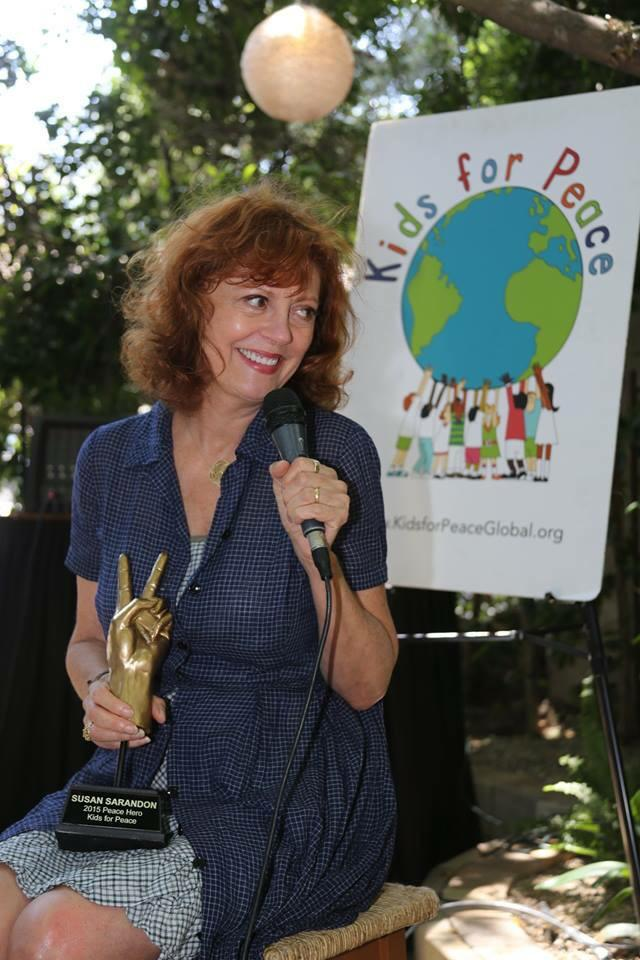 What an absolute joy it was to present kind and authentic @SusanSarandon with our 2015 #PeaceHero award! http://t.co/FGJDM1TAjR
