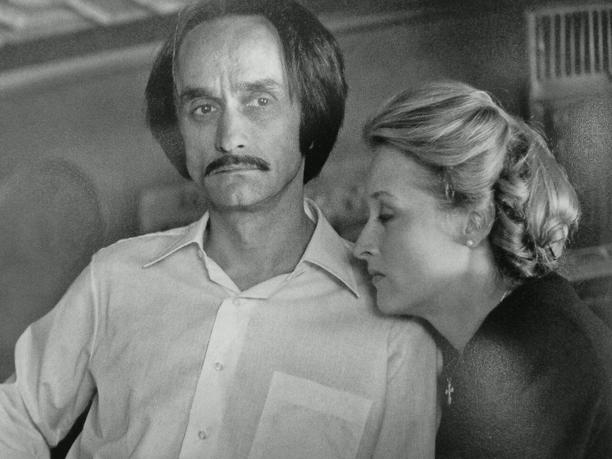 """Twitter पर Will McCrabb: """"JOHN CAZALE was born on this day. Seen here on his last film THE DEER HUNTER with the love of his life Meryl Streep. http://t.co/4CIYN5IZWa"""""""