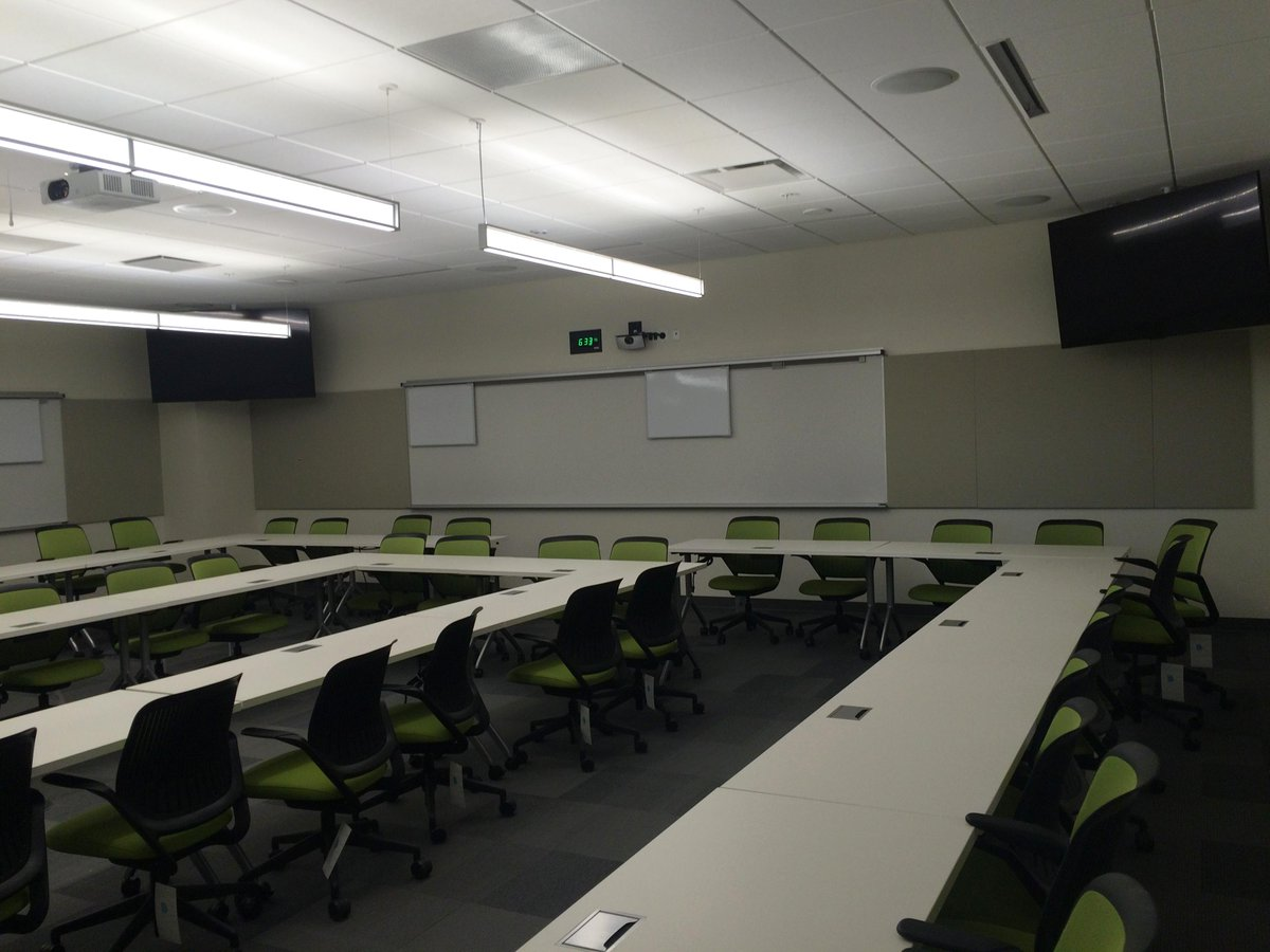Want an inside look at the #FosterCampus? Check out these pictures of the new home for #Baylor Business! http://t.co/MKwK3S2RAY