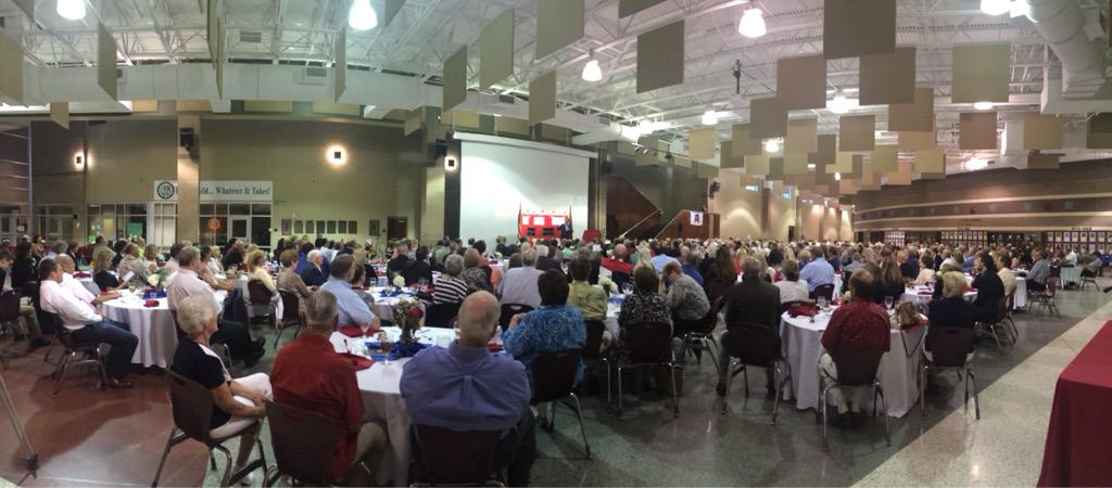 Amazing turnout in Van Buren tonight at the Crawford County Lincoln Day Dinner with @tedcruz! #arpx http://t.co/2AjVSxat24