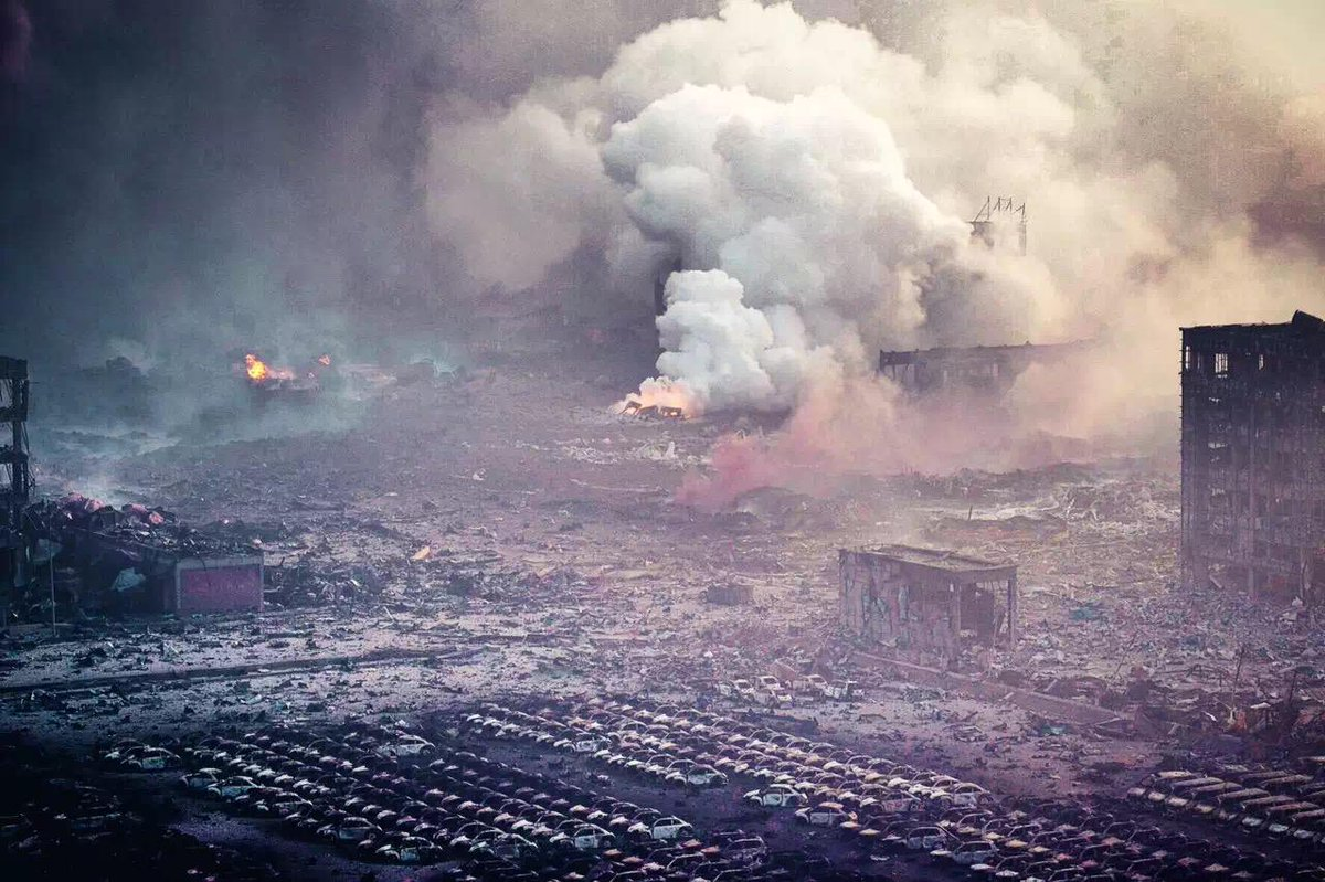 Aftermath of Tianjin Blast 天津爆炸后末日场景 http://t.co/IpZOES8uDX