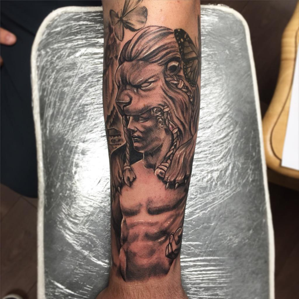 Taylorwills22 On Twitter Statue And Lion Headdress Tattoos