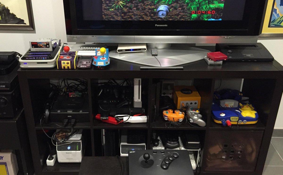 CONCOURS RETROPIXEL: Follows+RT pour gagner un collector Pac-Man + la liste complète des mes consoles. http://t.co/QA9GL1CPYB