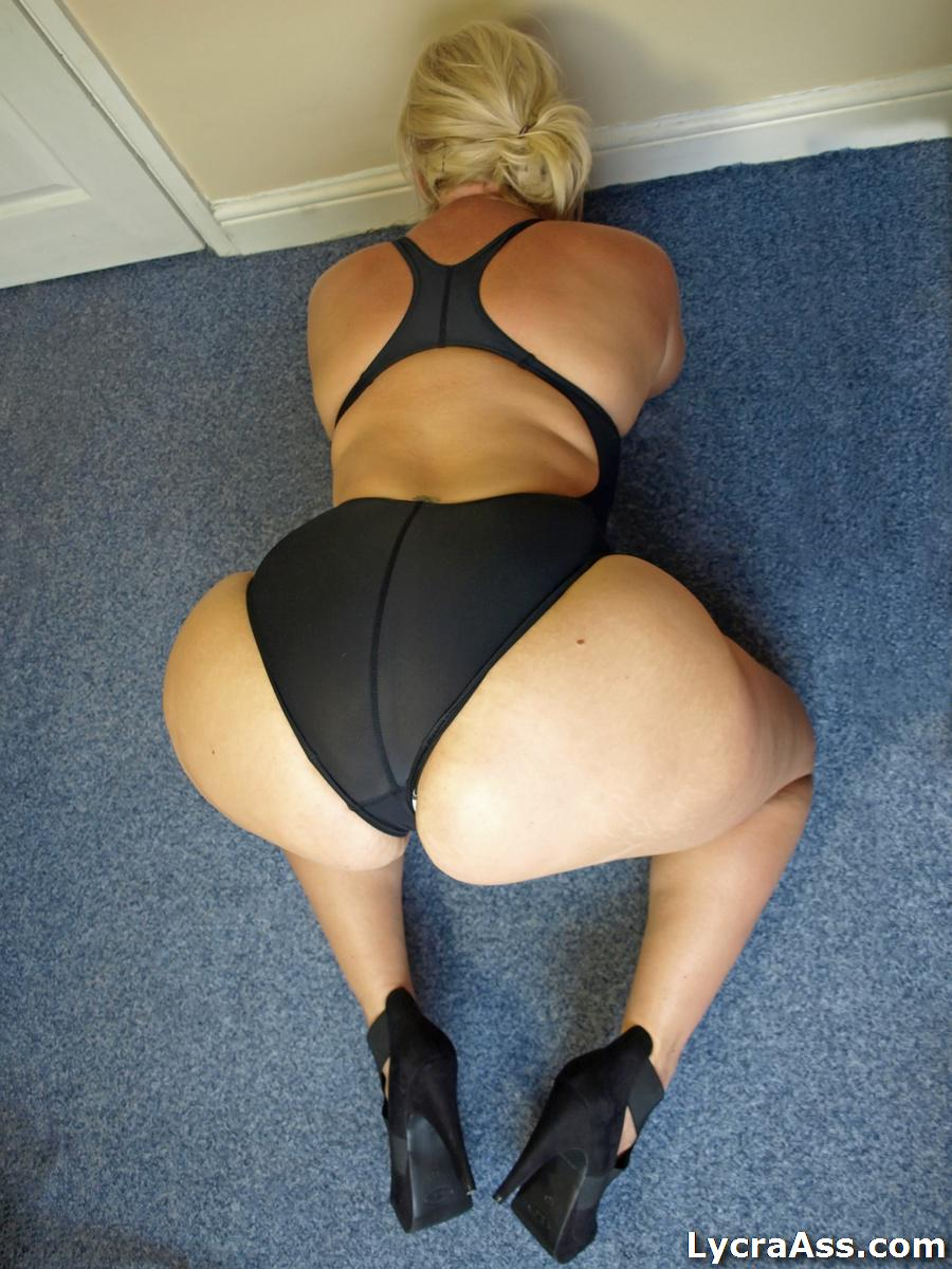 girl-british-wifes-with-big-butts-bimbos-xxx
