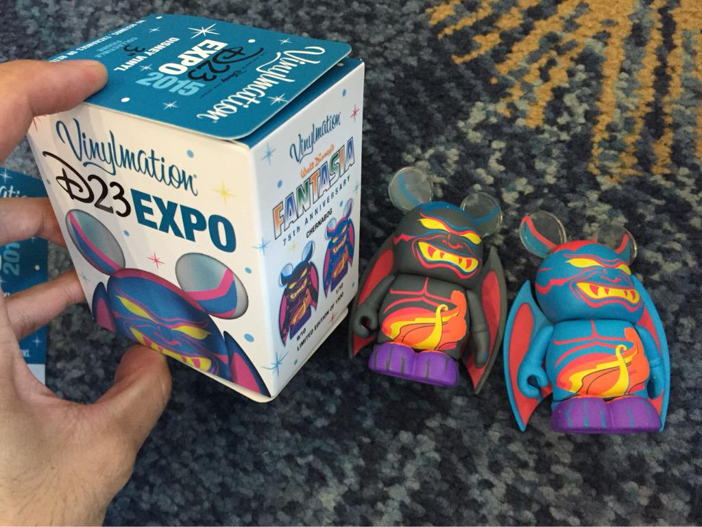 D23 2015 Merchandising , conditions des ventes - Page 3 CMT_yQ6VAAAwxY6