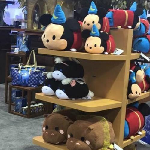 First look at the new Fantasia Large and Medium Tsum Tsums from the D23 Expo - http://t.co/vEZ8F2Qm6l http://t.co/BQoXGwtU07