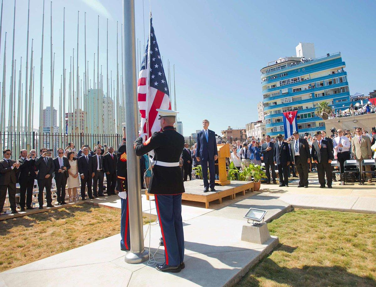 54 anni dopo torna ad essere issata la bandiera USA all'ambasciata in Cuba -VIDEO