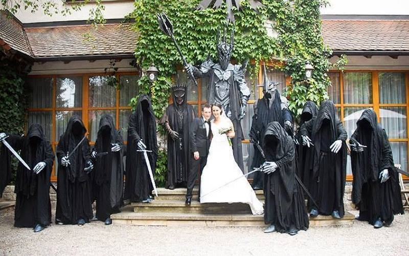 Kitsch On Twitter Have You Ever Wanted A Lord Of The Rings Themed Wedding Here S Your Benchmark Lotr Weddinginspiration Http T Co N6ufx0q3l3