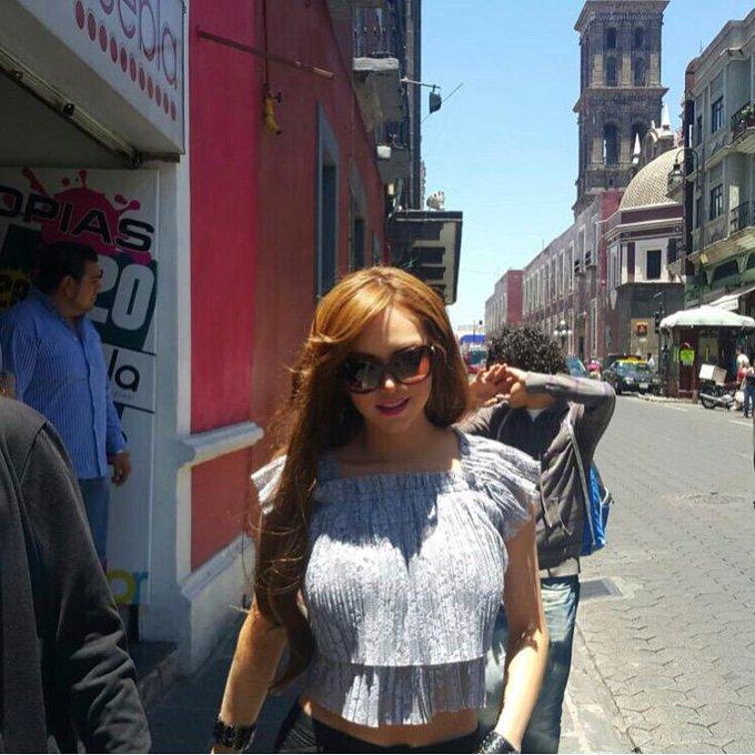 Hermoso #Puebla gracias por su cariño 🐰🎀 #playboymx #playmate #agosto2015 http://t.co/4QIQaSIZug