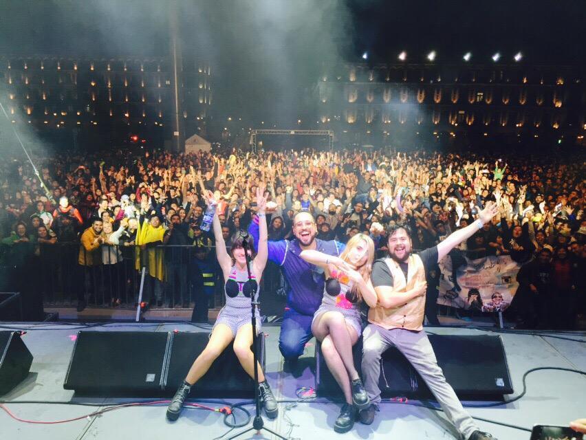¡Muchas gracias a todos los que nos acompañaron esta gran noche en el Zócalo!  #SemanaDeLasJuventudes http://t.co/9ZjMdspYDp