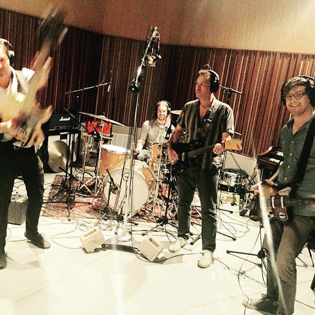 Metz e Swami John Reis dai Drive Like Jehu insieme per due canzoni [LISTEN]