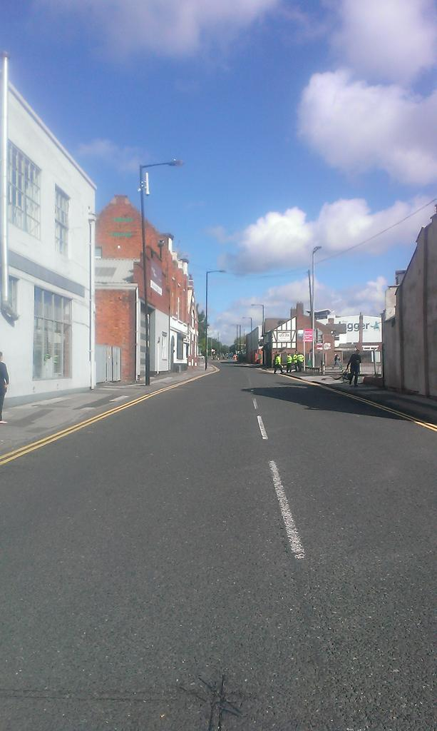 Green Lane closed off to traffic in Walsall http://t.co/pZbsN8TcFS