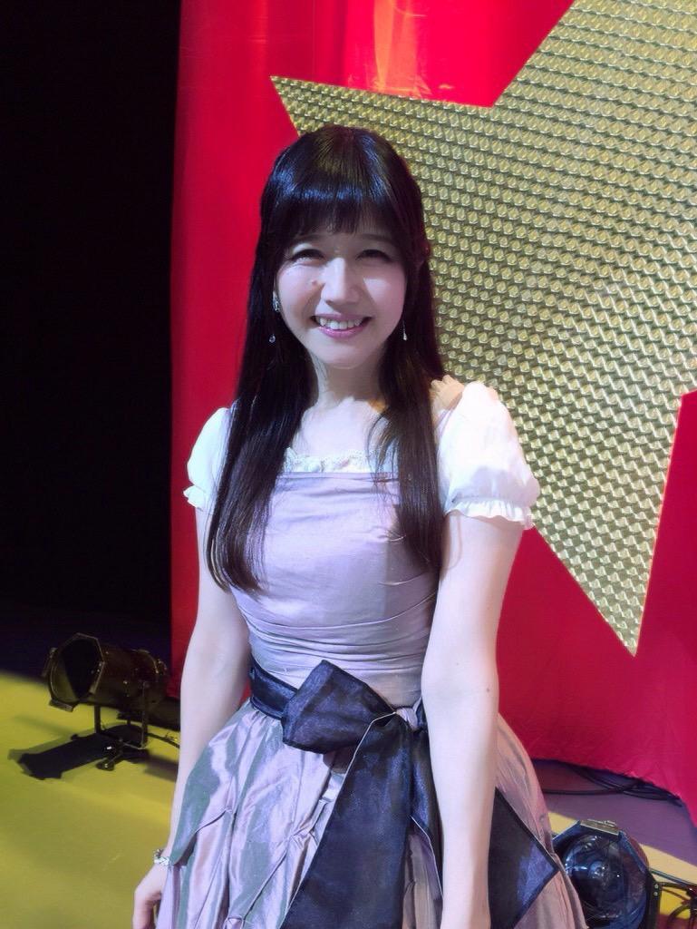 本日、舞浜アンフィシアターにて井上喜久子(17)が出演しましたガールフレンド(仮)聖櫻学園「真夏の音楽祭2015」無事終了しました!歌あり朗読劇ありのとっても楽しいイベントでした(≧∇≦)