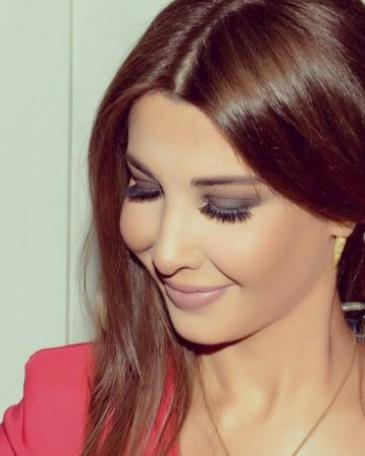 نانسى عجرم ساحره بفستان احمر مهرجان الحدث 2018