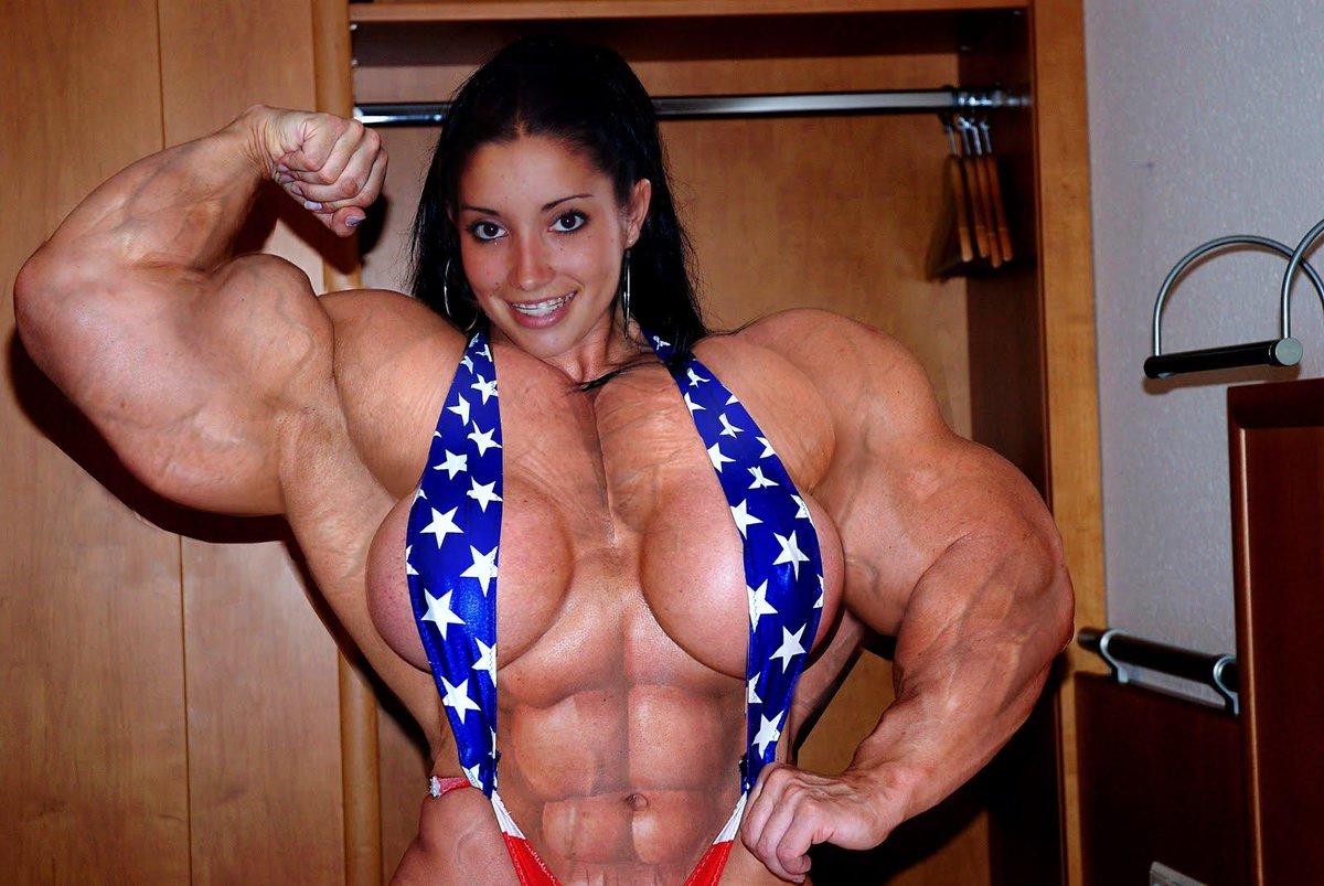 Соски и мускулы у женщин
