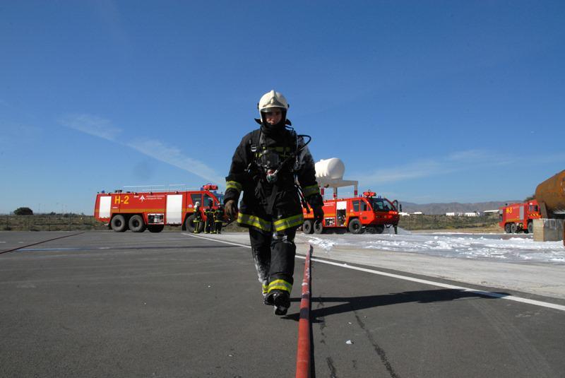 Emergencia: la extinción y el rescate comprometidos por la implantación del bombero orquesta single en Aena.