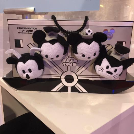 D23 2015 Merchandising , conditions des ventes - Page 9 CMdmOFmU8AARTUE
