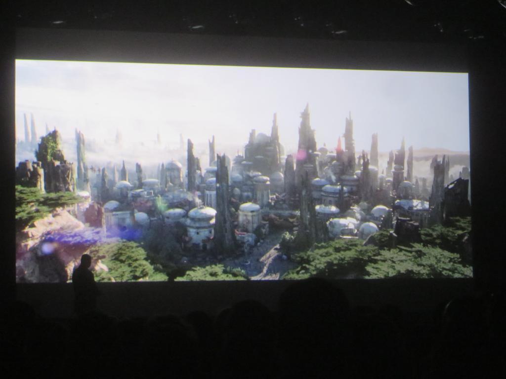 [Disneyland Park] Star Wars: Galaxy's Edge (31 mai 2019) - Page 4 CMe4y1YUsAEVJbo