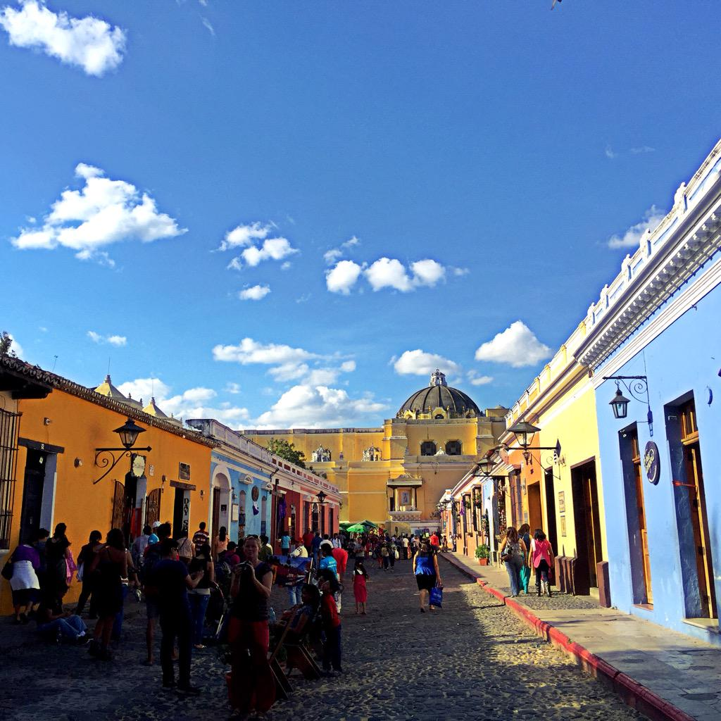 Antigua #Guatemala is one of the cutest places in the world @PeteSelman http://t.co/cmdd3RFWAc @visitcentroamer @VisitGuatemala_