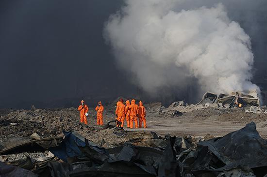 Tianjin, le ultime notizie dalla Cina: tra le vittime anche vigili del fuoco, la preghiera di Papa Francesco