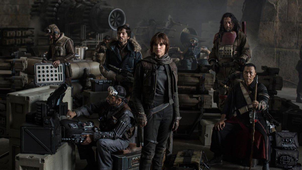 Rogue One : A Star Wars Story [Lucasfilm - 2016] - Page 2 CMeQY5IWUAAU-pU