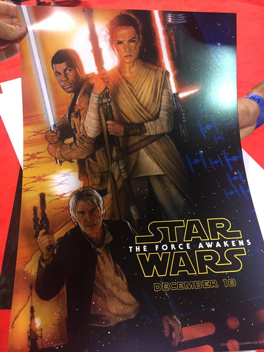 A Drew Struzan Star Wars poster has been unleashed! #ArtAwakens http://t.co/hZW2y0U5py