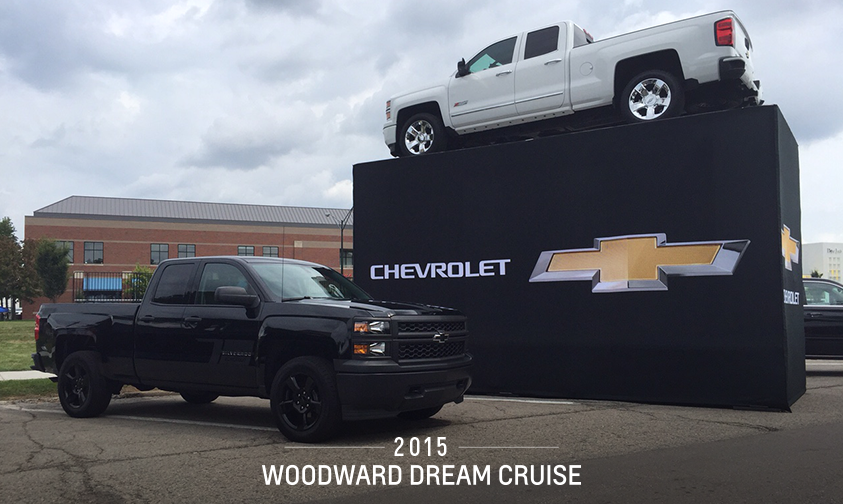 chevy trucks on twitter the silverado blackout edition and custom sport are living the dream. Black Bedroom Furniture Sets. Home Design Ideas
