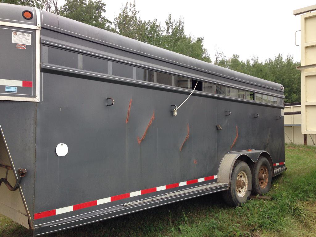 This metal trailer transported bison to Russia. Notice the scoring from their horns (seen from the outside!) http://t.co/2i3meFYVXN