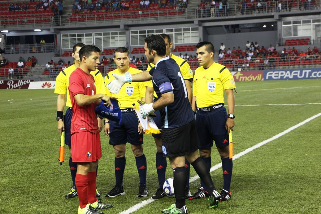 Eliminatorias UNCAF 2015 - Olimpicos Brasil 2016: El Salvador 2 Panama 3. CMfsLPqUEAA9K8q