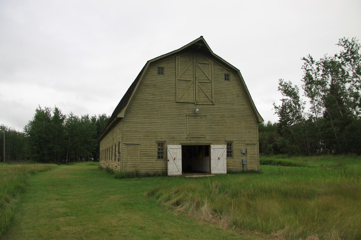 This is @ElkIslandNP's original barn, built 1907. It housed the horses that wardens used to patrol the park. http://t.co/kfkXUfake9
