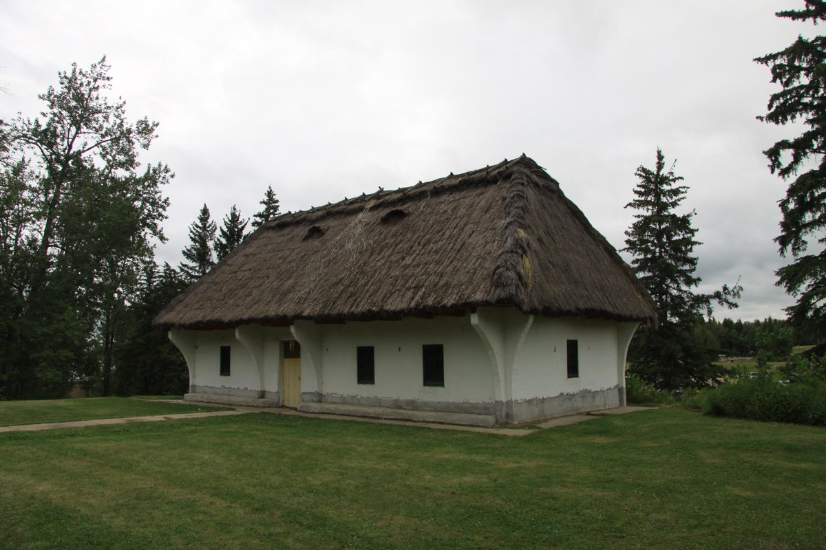 This model Ukrainian pioneer house dates to 1951. It was meant to house an Elk Island Museum that never materialized. http://t.co/uviQl4K1F2