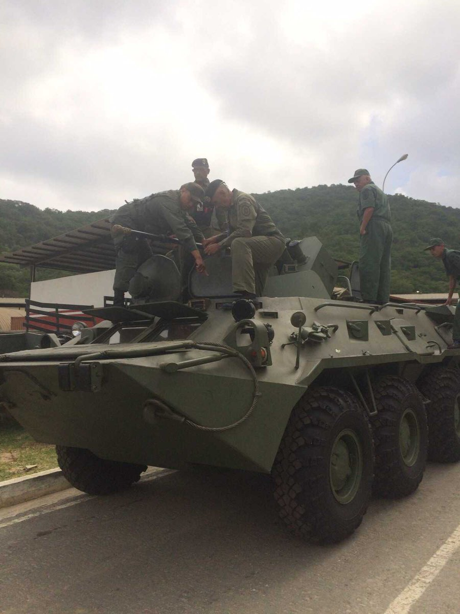 Armed Forces of Venezuela Photos - Page 2 CMgBu80W8AAivYo