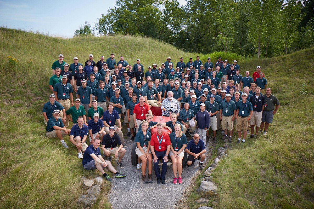 Can we get a RT for @GolfKohler Grounds Crew & the job they've done making #WhistlingStraits look absolutely amazing! http://t.co/iJH8kj8OnS