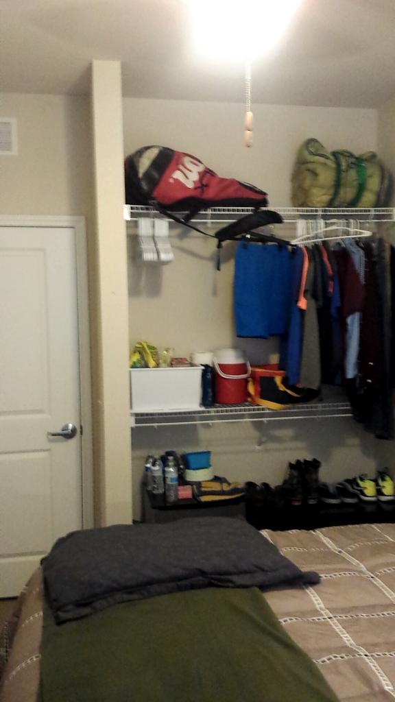 rollin houk on twitter my new dorm room here at etbu http t co rh twitter com
