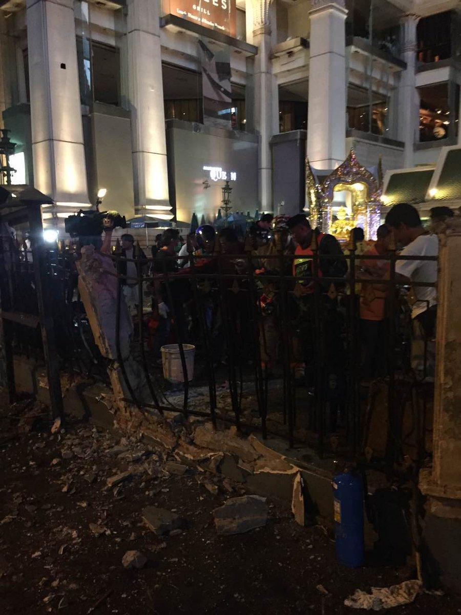 #UPDATE #Bangkok blast reportedly took place near #ErawanShrine tourist attraction