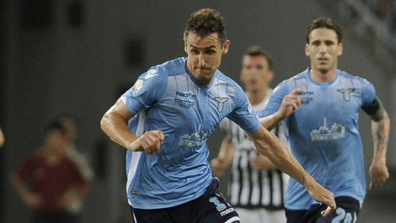 Lazio-Bayern Leverkusen 1-0: l'infortunio a Miroslav Klose