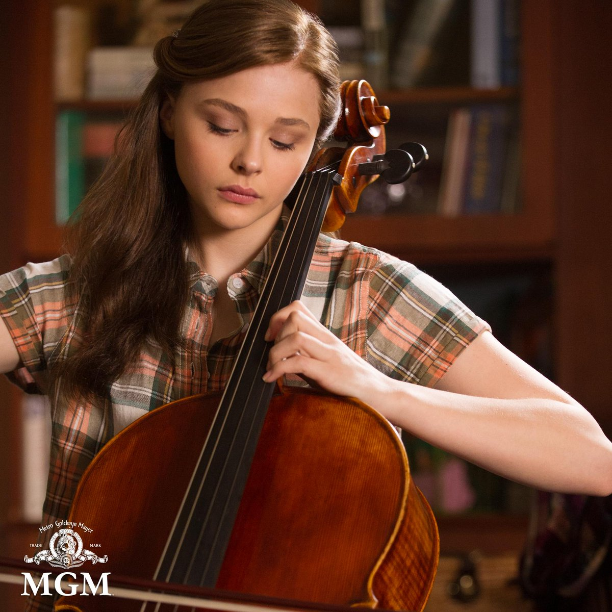 Congratulations to our very own Mia Hall @chloegmoretz on your big win! #ChoiceDramaMovieActress #TeenChoice @IfIStay http://t.co/AACilu9MVn