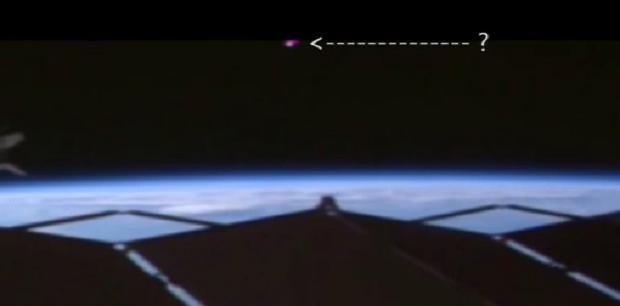 Avvistamenti UFO in orbita dalla ISS, filmati misteriosi della NASA
