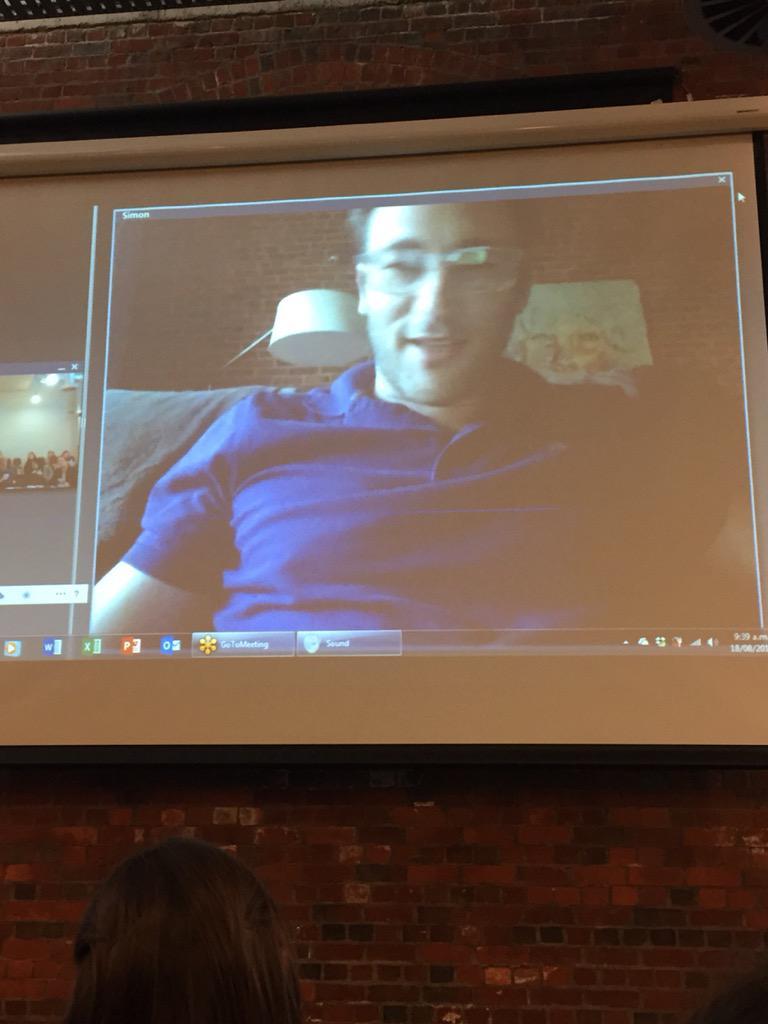 @simonsinek speaking at #hrgcnz Yay http://t.co/9mDHvH9O36