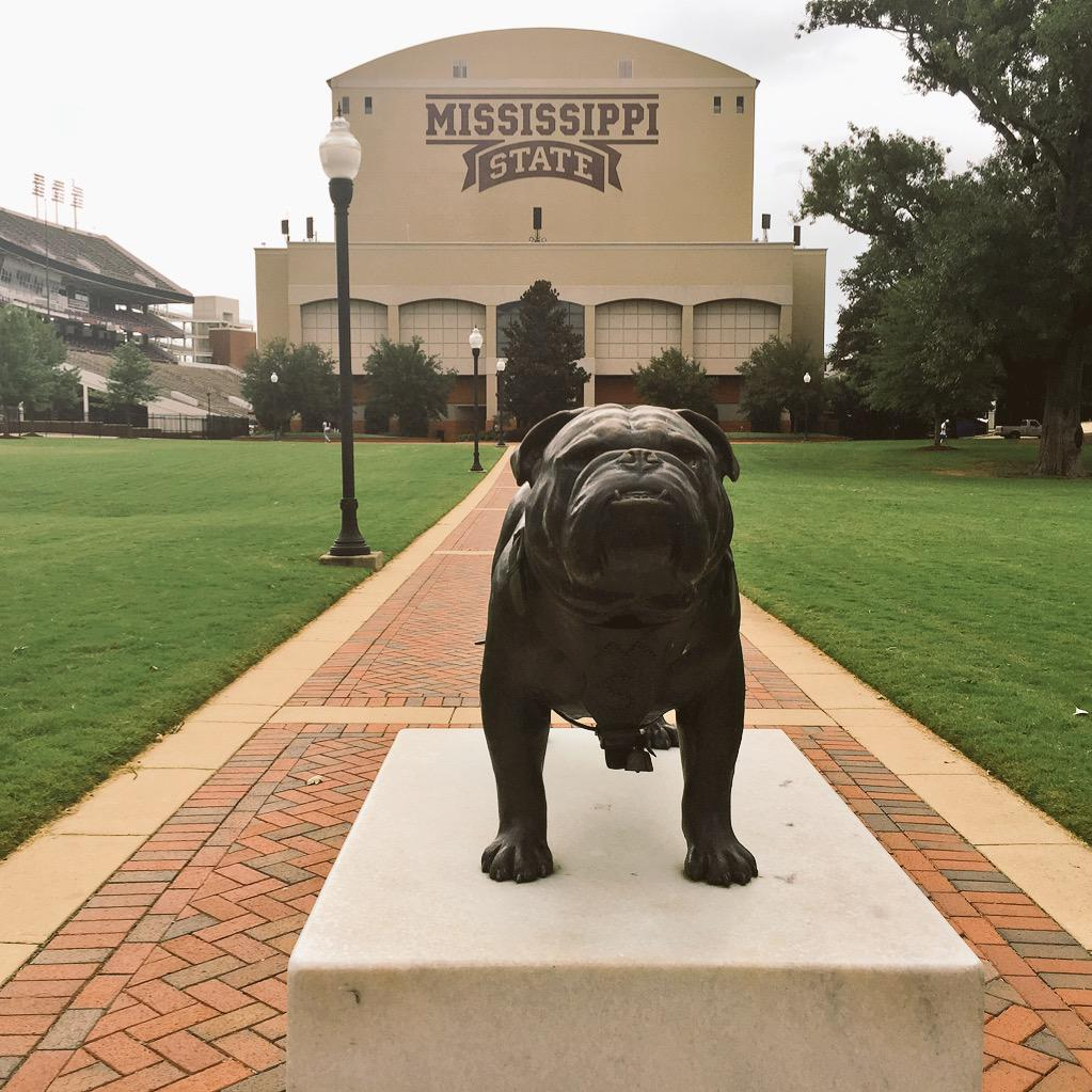 #HailState. First day of school is beautiful. There's a lot of Bulldog Fever in the air! #SeeTheSEC http://t.co/HzTBXAPjpd
